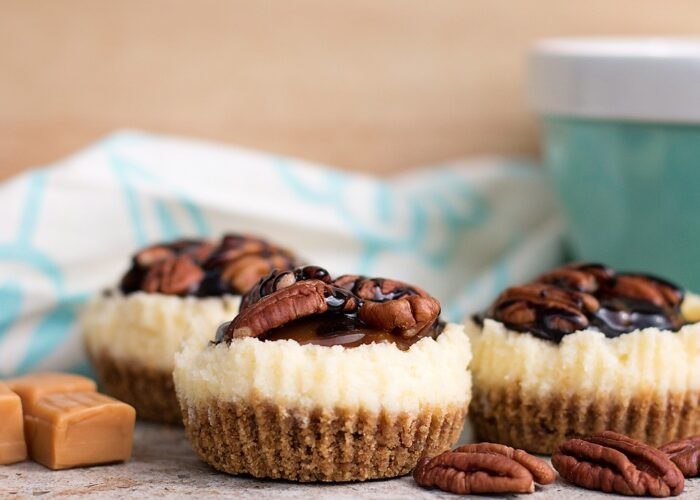 Caramel Pecan Mini Cheesecake