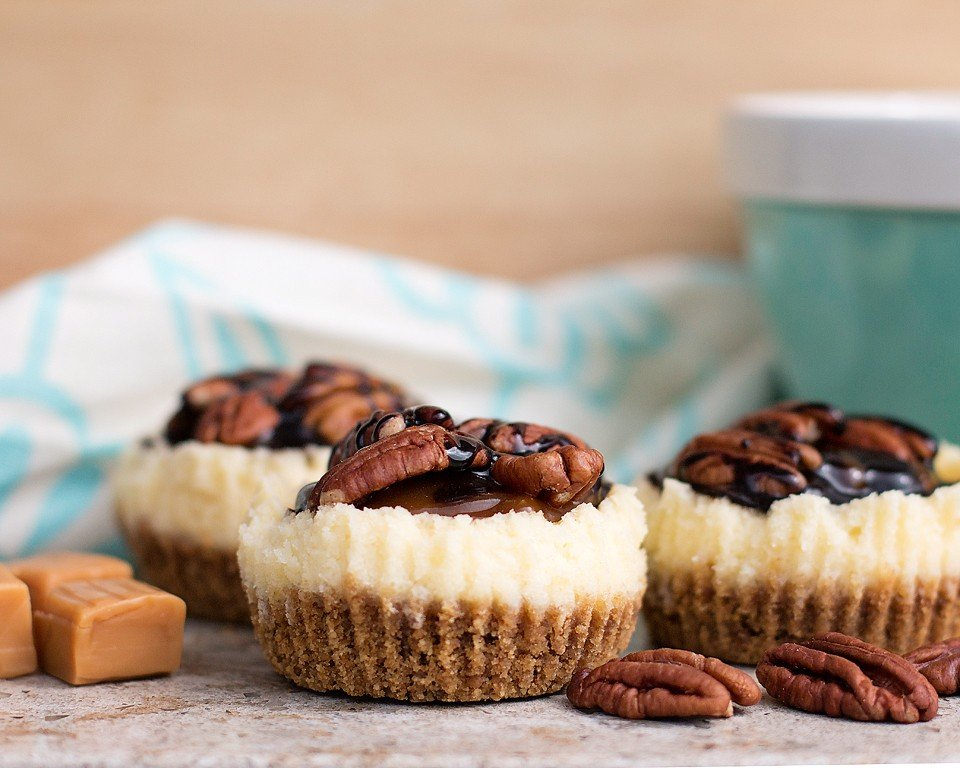Caramel Pecan Mini Cheesecake