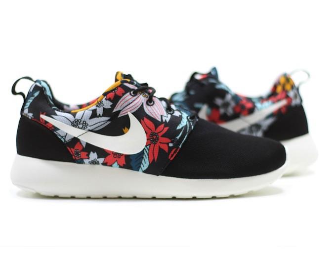 Nike Roche Print