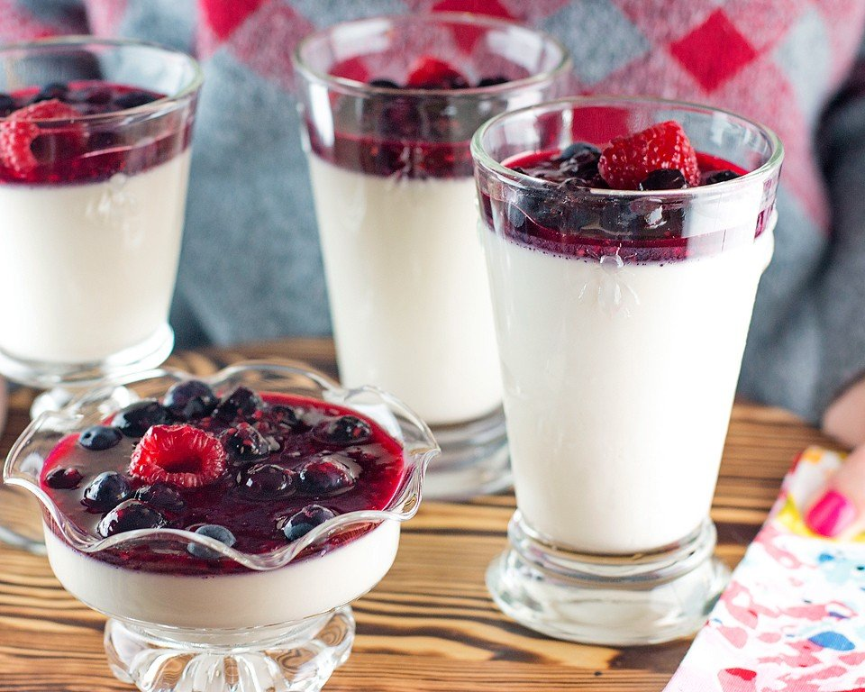 Lemon Berry Panna Cotta