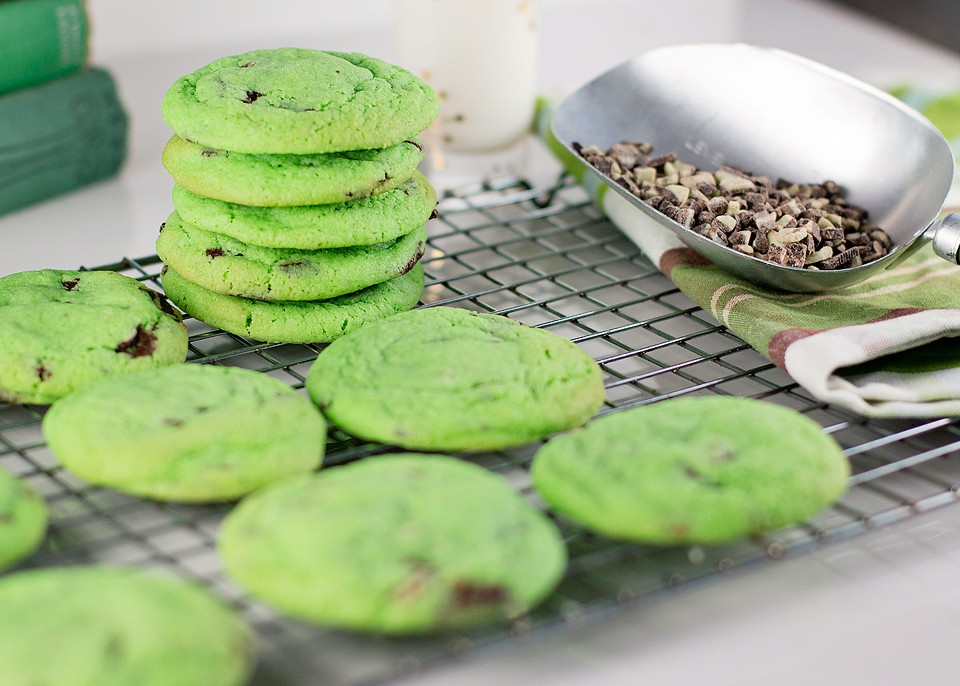 Chocolate Mint Cookies from xoxo Bella [St. Patty's Day Recipe Round-Up at A Little Seed Grows]