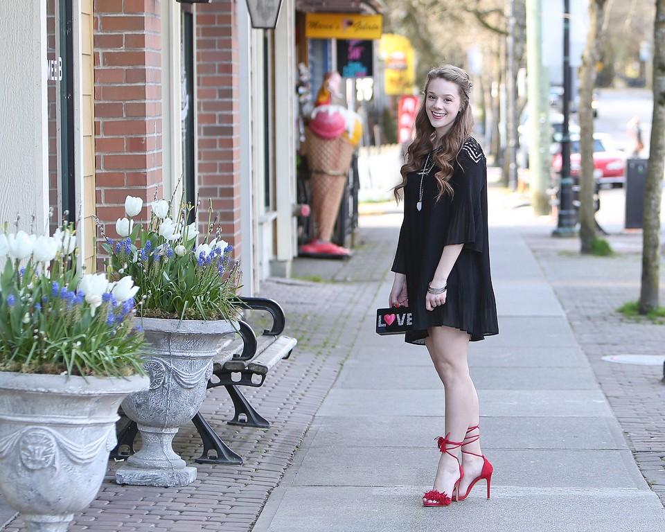 Chiffon Pleated Little Black Dress and Fringe Shoes