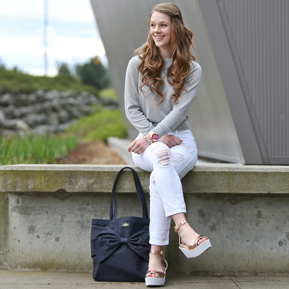 Kate Spade Bow Bag, Distressed Jeans and Sandals