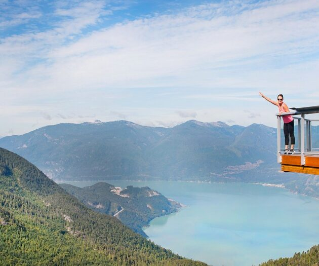 Travel blogger, Bella Bucchiotti of xoxoBella, shares the Sea to Sky Gondola in Squamish which is a great day trip from Vancouver.