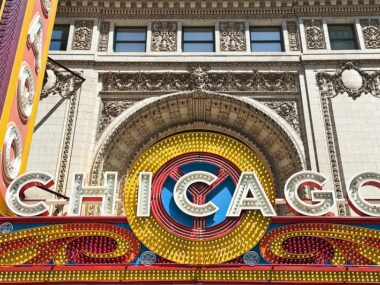 Blogger Bella Bucchiotti of xoxoBella is sharing the highlights of her vacation in Chicago and her stay at the Renaissance Chicago Downtown Hotel.