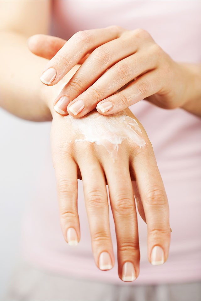 Blogger Bella Bucchiotti of xoxoBella shares winter skin care tips. #FaceCareForMe