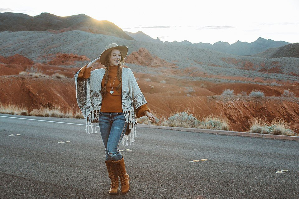 Blogger Bella Bucchiotti of xoxoBella is sharing about her road trip and using the new OtterBox uniVERSE Case System with her iPhone.