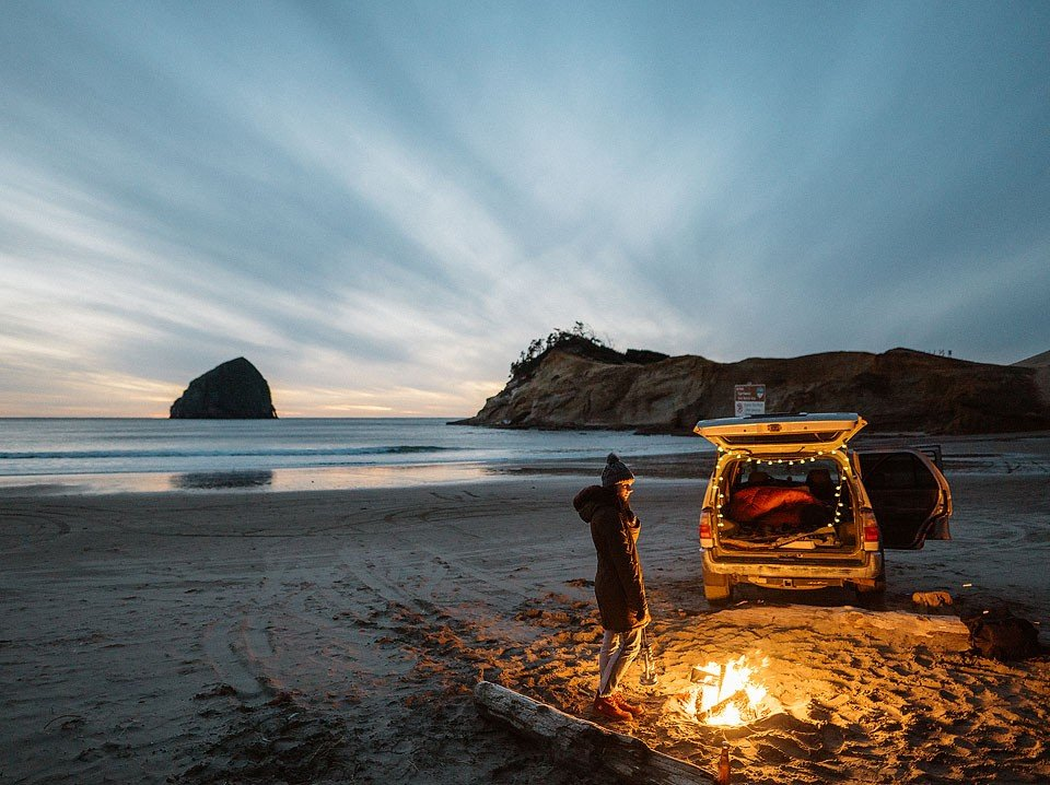 Blogger Bella Bucchiotti of xoxoBella is sharing a road trip to Cape Kiwanda in Oregon. Photos by Braedin Toth