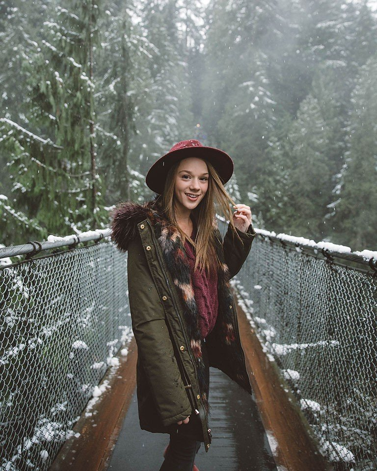 Blogger Bella Bucchiotti of xoxoBella is at the Capilano Suspension Bridge in Vancouver, BC. Photos by Ben Prescott and Jerald McDermott.