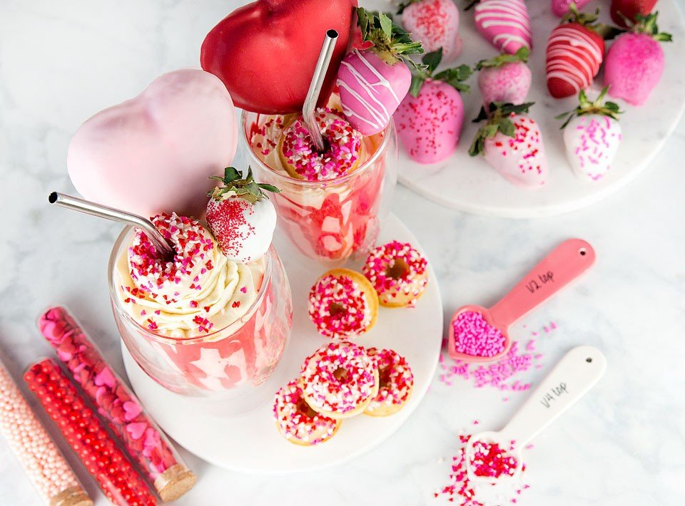 Blogger Bella Bucchiotti of xoxoBella shares a recipe for a Valentine's Day shake and mini donuts.
