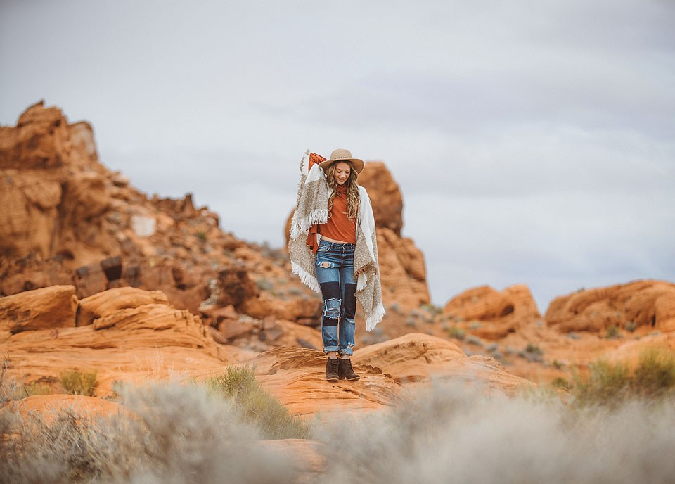 Blogger Bella Bucchiotti of xoxoBella is sharing photos of her trip to the Valley of Fire in Nevada. Sixt rent a car provided a great ride for the trip. Photos by Braedin Toth.
