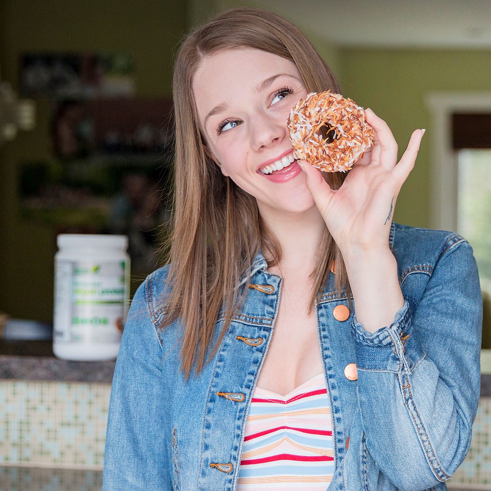 Blogger Bella Bucchiotti of xoxoBella shares a recipe for pumpkin coconut vegan donuts.