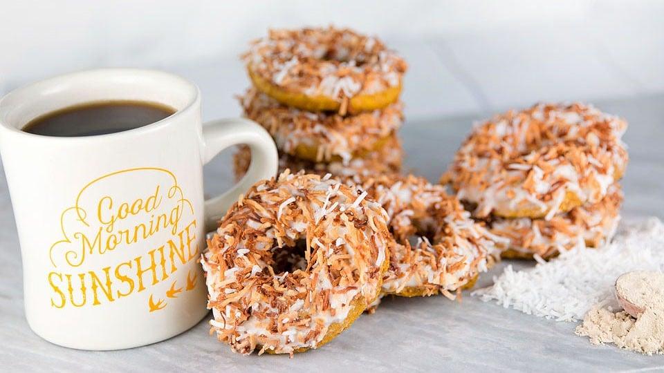 Blogger Bella Bucchiotti of xoxoBella shares a recipe for pumpkin coconut vegan donuts.