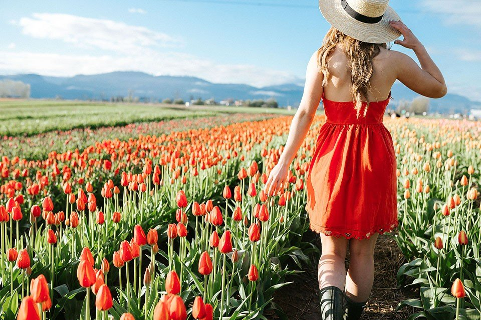 Travel Blogger, Bella Bucchiotti of xoxoBella shares about her spring visit to the Abbotsford Tulip Festival in the Fraser Valley.