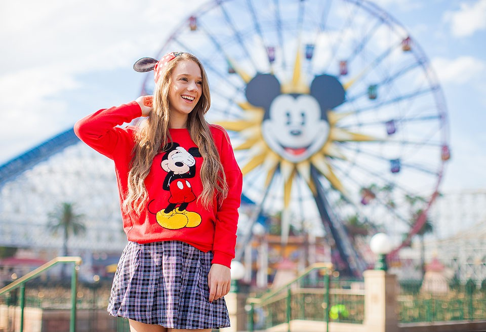 Blogger Bella Bucchiotti of xoxoBella.com shares photo ideas for Disney at Halloween for the Not So Scary Halloween including Disney food and treats. We love Disneyland!