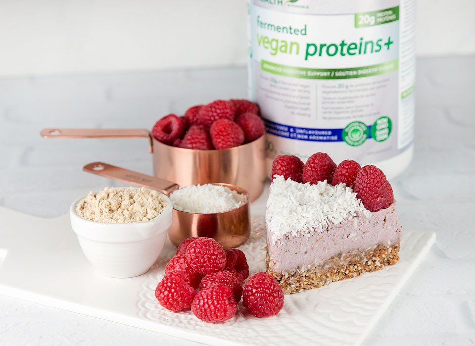 Blogger Bella Bucchiotti of xoxoBella shares a recipe for a vegan cheesecake using fermented vegan proteins+ from Genuine Health