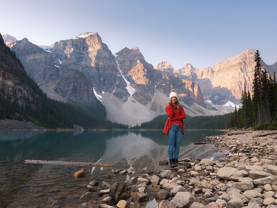 Travel blogger, Bella Bucchiotti of xoxoBella shares about her weekend trip to Banff and Lake Louise with stops in many National Parks on this road trip.