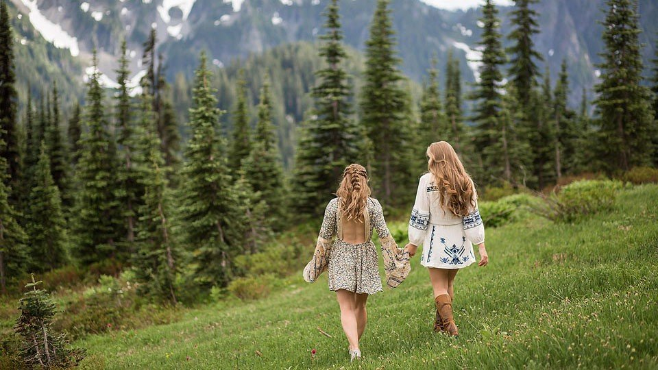 Blogger Bella Bucchiotti of xoxoBella.com shares a day trip to Mt. Rainier where she saw wildflowers, deer and waterfalls.
