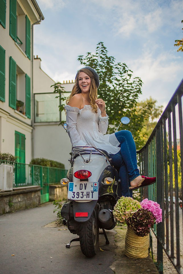 Fashion blogger, Bella Bucchiotti of xoxoBella shares an outfit that she wore to Montmartre in Paris, France.