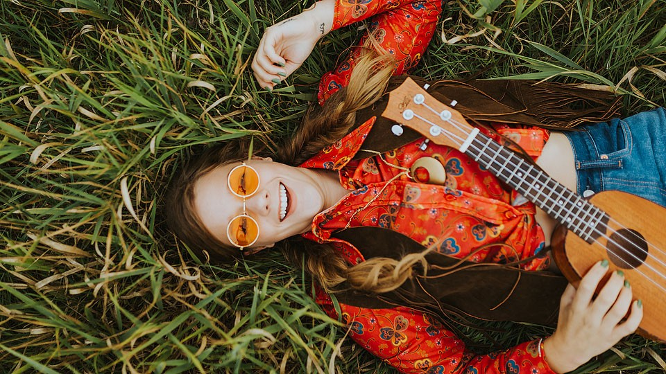 Blogger Bella Bucchiotti of xoxoBella.com shares her last minute halloween finds