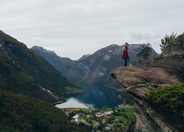Blogger Bella Bucchiotti of xoxoBella.com shares photos and tips about her trip to northern Norway. She went to Lofoten, Senja, Ålesund and Geirangerfjord. Photos by Joel Schat.
