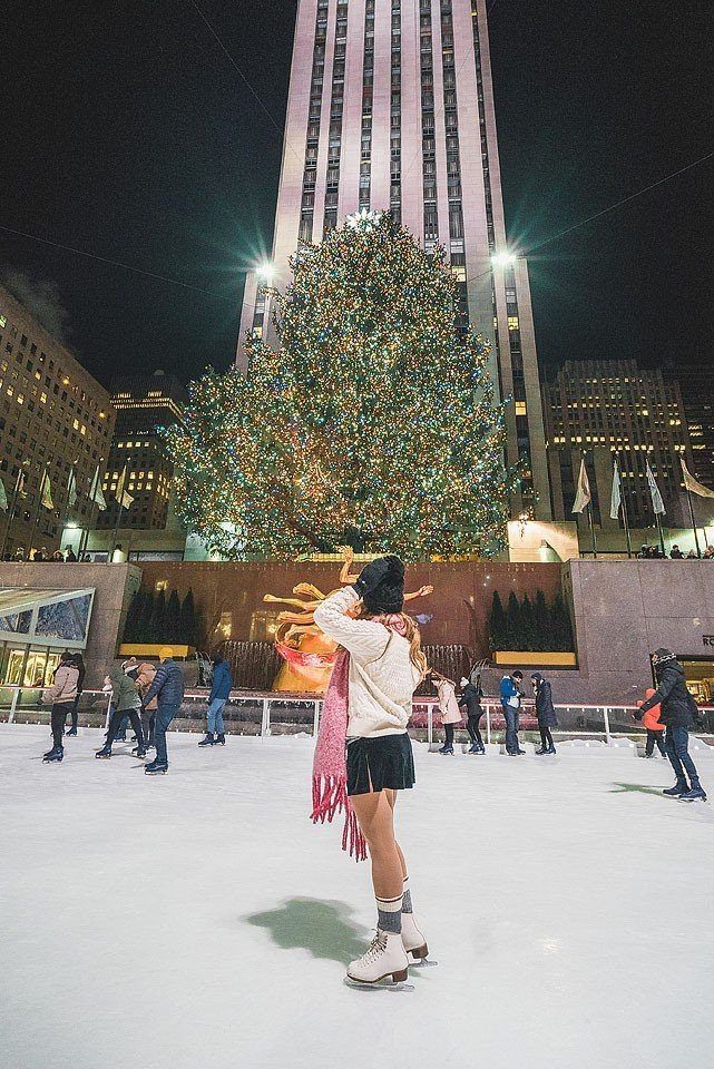Blogger Bella Bucchiotti of xoxoBella.com shares her trip to New York in the winter around Christmas.