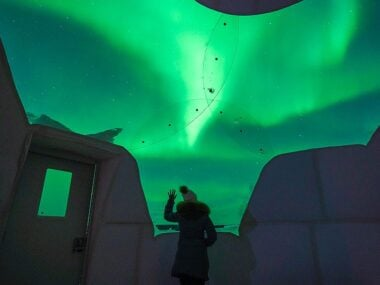 Blogger Bella Bucchiotti of xoxoBella.com shares her experience chasing the aurora in Fairbanks Alaska and staying at the Borealis Basecamp.