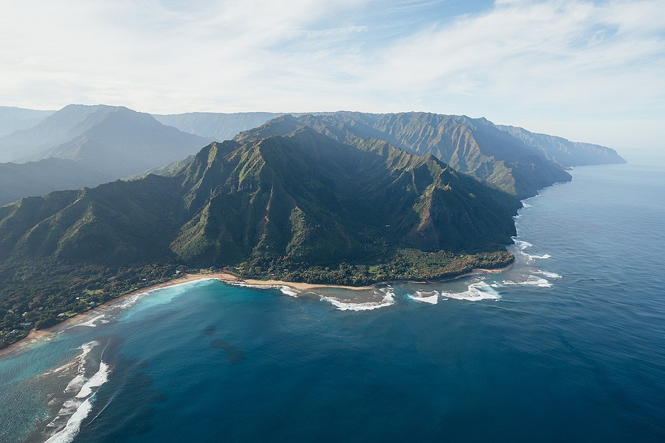 Blogger Bella Bucchiotti of xoxoBella.com shares her trip to Kauai which included a trip over the Napali coast.