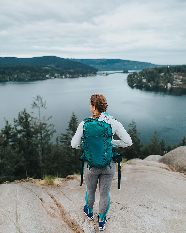 Blogger Bella Bucchiotti of xoxoBella.com shares about spending time outdoors in nature with Tampax pure and clean.