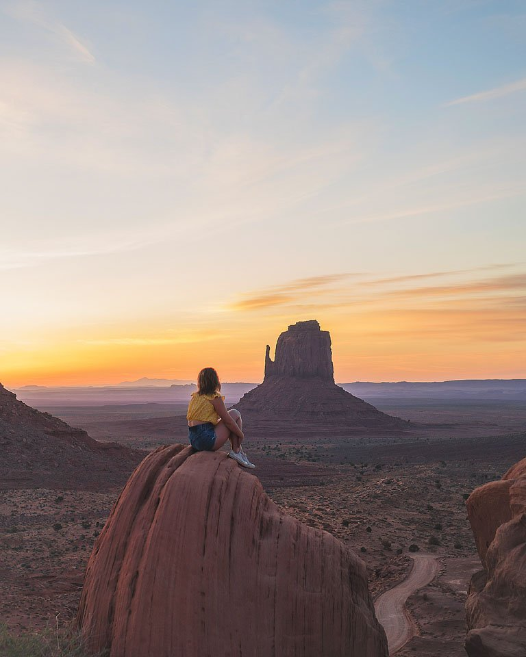 Blogger Bella Bucchiotti of xoxoBella.com shares her top 7 Instagram spots in Moab and arches national park.
