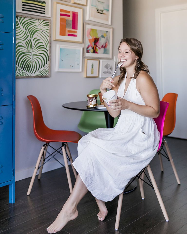 Blogger Bella Bucchiotti of xoxoBella.com shares her experience building a gallery wall of prints and frames with Minted.