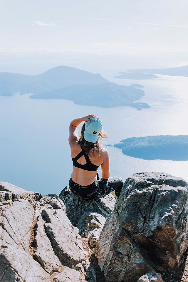 xoxoBella.com shares 10 hikes she did this summer around Vancouver Canada.