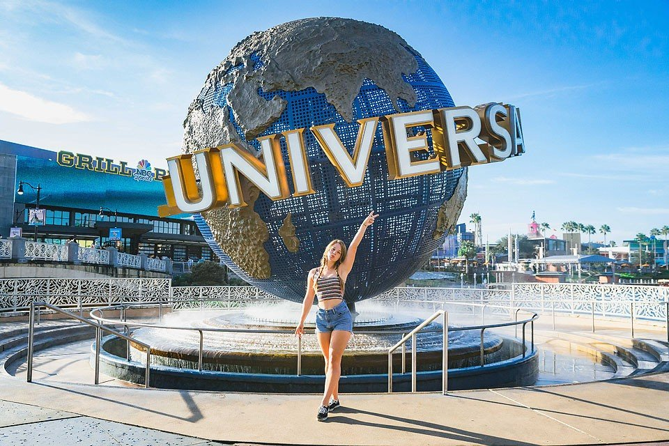 Blogger Bella Bucchiotti of xoxoBella.com shares about her trip to Orlando, Florida. She went air boating, on a hot air balloon, kayaking, to Universal Studios, ate yummy vegan food and lots more.