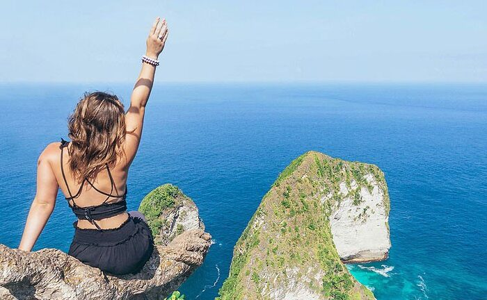 Blogger Bella Bucchiotti of xoxoBella.com shares the best instagrammable spots in Bali for photos. Lots of Bali photo ideas.