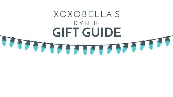 Blogger Bella Bucchiotti of xoxoBella.com shares her icy blue holiday gift guide featuring gift sets from PANDORA.