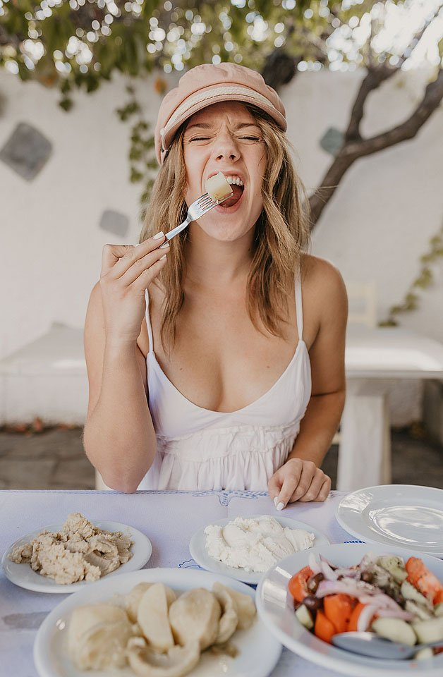 Blogger Bella Bucchiotti of xoxoBella.com shares about her trip to Greece and the islands of Naxos and Paros. She shares where she stayed, visited and ate.