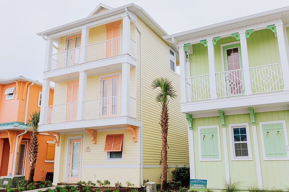 Blogger Bella Bucchiotti of xoxoBella.com shares about her visit to Kissimmee, Florida. She stayed at the new Margaritaville Resort.