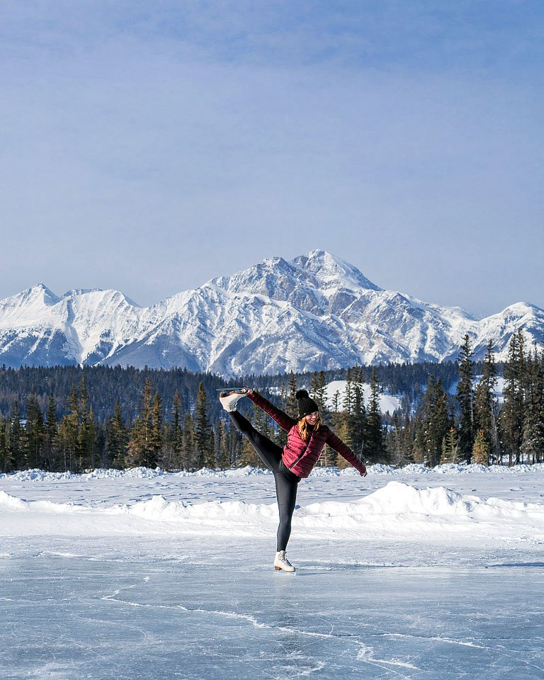 Blogger Bella Bucchiotti of xoxoBella.com shares about her visit to Jasper, Alberta in the winter.
