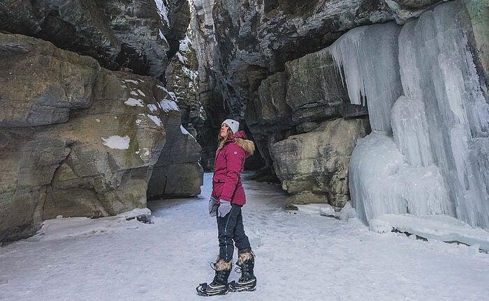 Blogger Bella Bucchiotti of xoxoBella.com shares about her visit to Jasper, Alberta in the winter.