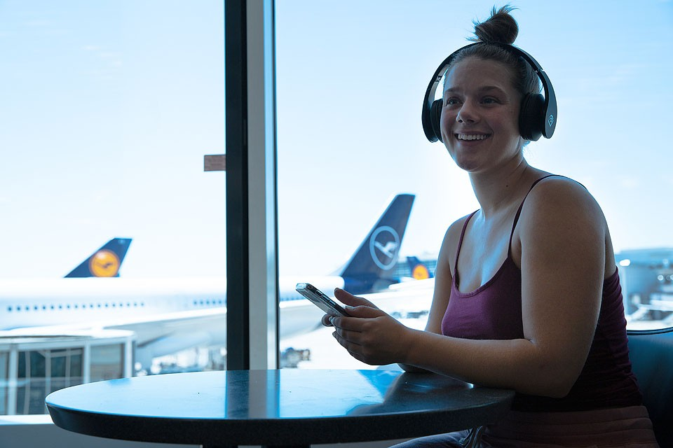 Blogger Bella Bucchiotti of xoxoBella.com shares about how Audible is perfect for travel and it fits her on the go lifestyle. Perfect for the book lover!