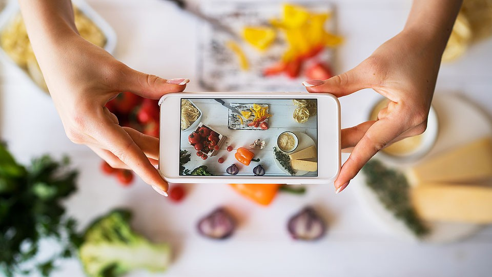 Blogger Bella Bucchiotti of xoxoBella.com shares the things people who love cooking can relate to with gifs. Perfect for all the foodies out there!