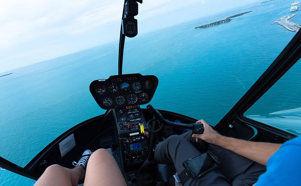 Blogger Bella Bucchiotti of xoxoBella.com shares about her trip to The Florida Keys and Key West. She went on a boat tour with Honest Eco Tours, ate some great food, went parasailing and lots more!