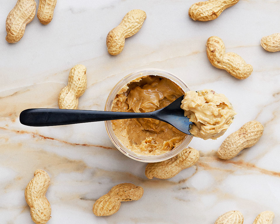 Food blogger, Bella Bucchiotti of xoxoBella shares all the best peanut butter recipes. If you are a peanut butter lover, you need to try these top peanut better recipe ideas.