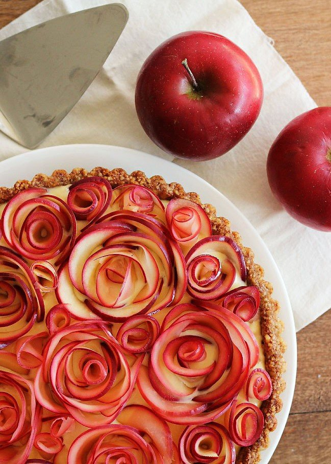 Food blogger, Bella Bucchiotti of xoxoBella shares all of the best pie recipes that you will love. The all-time best pie recipes for the handmade pie lover!