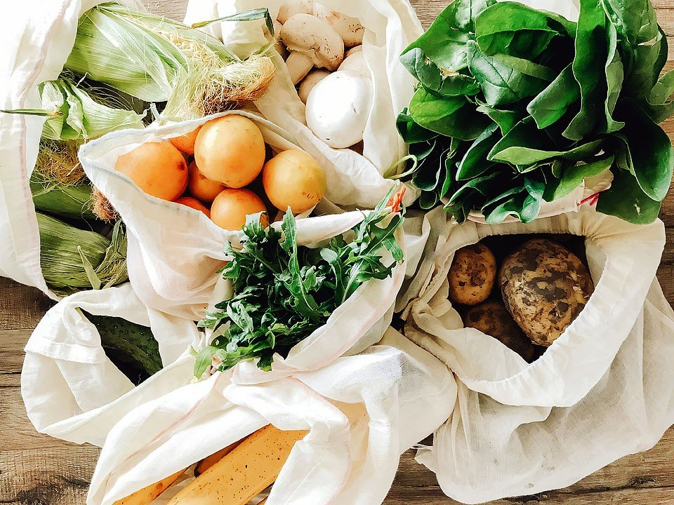 Blogger Bella Bucchiotti of xoxoBella.com shares five reasons to buy local food. Shop local and eat local!