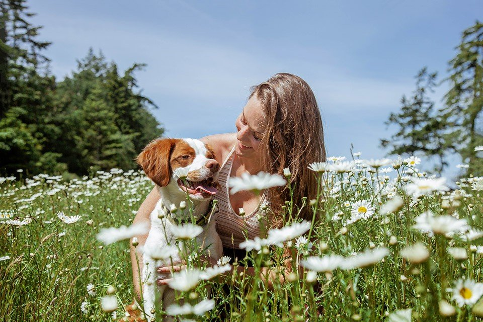 Blogger Bella Bucchiotti of xoxoBella.com shares about the things my dog has taught me. My dog has taught me life lessons and about happiness.