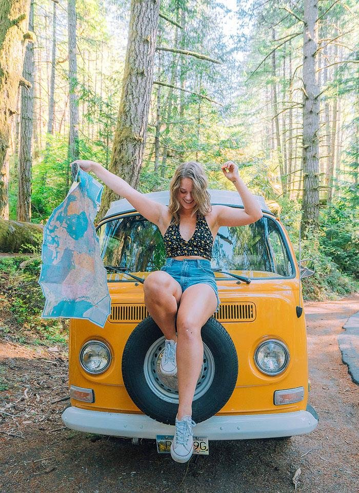 Travel and lifestyle blogger Bella Bucchiotti of xoxoBella.com shares road trip tips and road trip hacks to help you plan your next road trip.