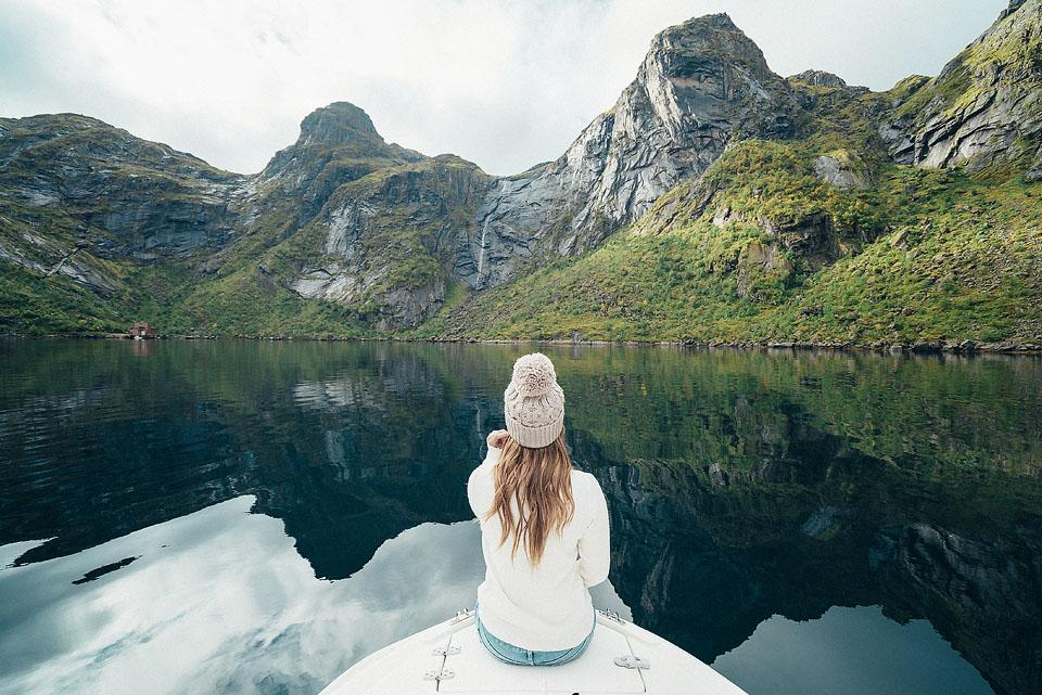 Travel and lifestyle blogger Bella Bucchiotti of xoxoBella.com shares a travel resource guide for all your travel planning needs.