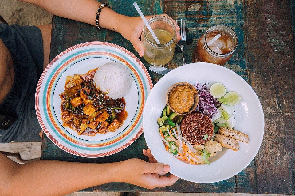Travel blogger, Bella Bucchiotti of xoxoBella shares about her trip to Bali and a Bali travel guide with tips on how to see all the sights in a short trip.