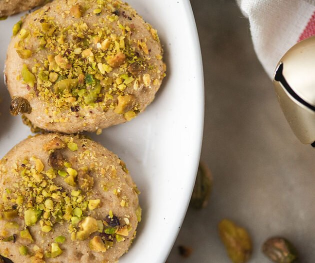 Food blogger, Bella Bucchiotti of xoxoBella shares a Christmas cookies recipe for vegan gluten free pistachio cookies. These pistachio cookies are the perfect addition to your holiday baking or Christmas baking this year.